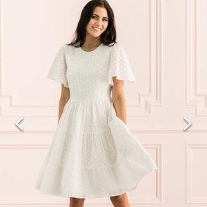 Rachel Parcell whit eyelit dress